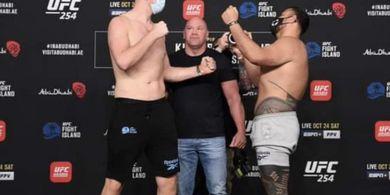 Hasil UFC 254 - Tinggal Sedetik Ronde 1 Selesai, Raksasa Tertinggi UFC Semaput Di-Uppercut