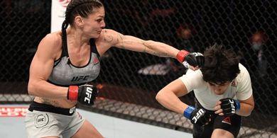 Lakukan Cekikan Pertamanya di UFC, Petarung Wanita Minta Lawan yang Lebih Susah