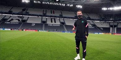 Lihat Miralem Pjanic 96 Kali Sentuh Bola, Juventus Kecele di Bursa Transfer