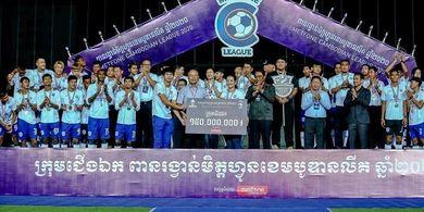 Liga Kamboja 2020 Selesai, Selebrasi Juara Diserahkan oleh Polisi