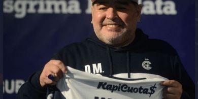 Telepon Darurat Jelang Kematian Diego Maradona di Rumahnya