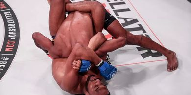 Video -  Petarung MMA Sikat Lawan dengan Kuncian Mematikan yang Dimodifikasi