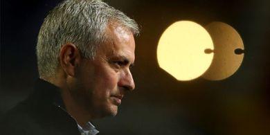 Spurs Sukses Puncaki Klasemen Liga Inggris karena Jose Mourinho Cuci Otak Semua Pemainnya