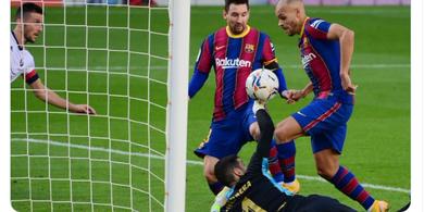 Hasil Babak I - Barcelona Unggul 2-0 Atas Osasuna Berkat Braithwaite dan Griezmann