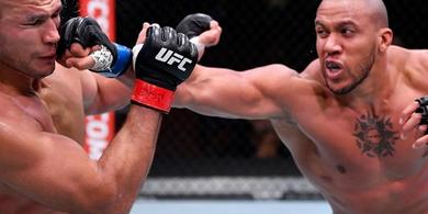 Meski Membosankan, Bintang Baru Kelas Berat UFC Samai Rekor Raja Raksasa
