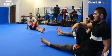 Khabib Tidak Nonton Langsung UFC 257, Cabut setelah Kawal Saudara Sepupu