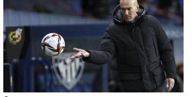 Dua Trofi Melayang dalam Sepekan, Zidane Bakal Dipecat Real Madrid?