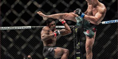 UFC Fight Island 7 - Senjata Makan Tuan, Tendangan Wakanda Ditendang KO