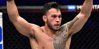Hasil UFC 257 - Sempat Ditendang Kemaluannya, Pecundang Israel Adesanya Lumat Lawan