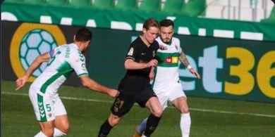 Babak I Elche Vs Barcelona - Blunder Bek Tuan Rumah, De Jong Sontek Sedikit, Blaugrana Unggul 1-0