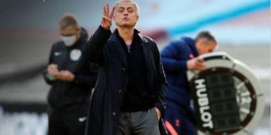 Spurs Capai 100 Gol, Jose Mourinho Balas Kritik soal Taktik Bertahan