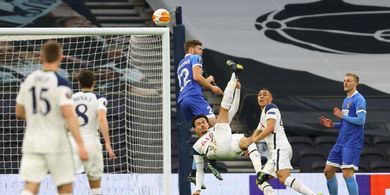 Cetak Gol Akrobatik Sambil Merem, Usaha Dele Alli Masih Belum Cukup untuk Mourinho
