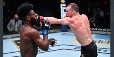 Duel Paling Brutal pada Ajang UFC 259 Bakal Dibikin 'Rematch'