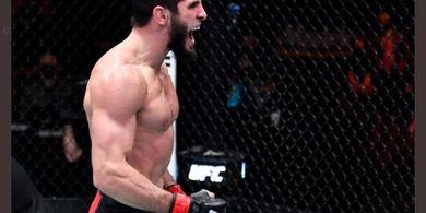Permintaan Islam Makhachev ke Charles Oliveira Usai Jadi Juara UFC