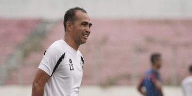Arema FC Ikut Berduka Atas Kepergian Asisten Pelatih Sulut United, Leo Soputan