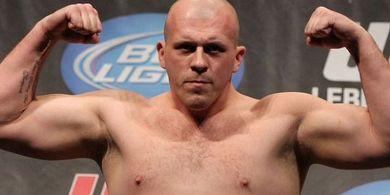 Jadi Tukang Pukul Bisnis Barang Haram Termegah, Eks Jagoan UFC Dibui 8 Tahun