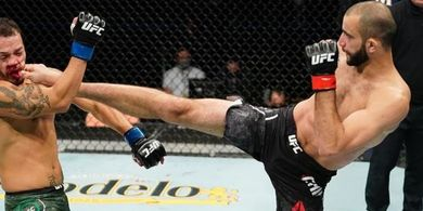Andai Berduel, Giga Chikadze Yakin Bikin Manusia Senapan Mesin UFC Pakai Tongkat Bantu Jalan