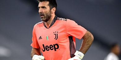 Ingin Tinggalkan Juventus, Buffon Dapat Banyak Tawaran Termasuk dari Barcelona