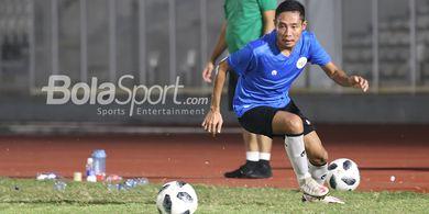 Timnas Indonesia ke UEA, Evan Dimas Dibawakan Perlengkapan Sholat