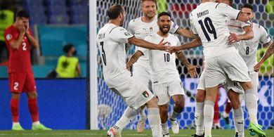 Fan Italia Bak Cenayang, Jitu Tebak Skor hingga Prediksi Gol Bunuh Diri Demiral