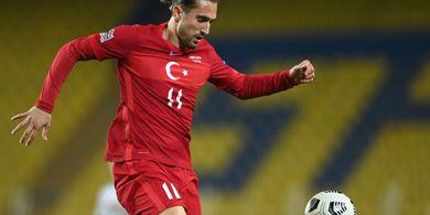 Ketagihan Playmaker Turki, AC Milan Incar Kompatriot Si Pengkhianat