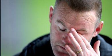 Tim Besutan Wayne Rooney Dapat Hukuman, Anjlok ke Dasar Klasemen dengan Poin Minus