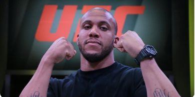 UFC 265 - Jurus Terbatas, Derrick Lewis Terlalu Gampang bagi Ciryl Gane