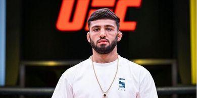 Tepati Janji Mak Comblang, Calon Juara Kelas Ringan Termuda Mau Duel di UFC 266