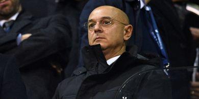 Suporter Tottenham Hotspur Minta Daniel Levy Tinggalkan Klub