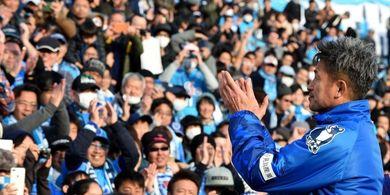 Diperkuat Pemain 52 Tahun, Klub Jepang Ini Promosi ke Kasta Teratas
