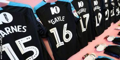 Liga Inggris Mungkin Akan Gunakan Kabin Portabel Sebagai Ruang Ganti