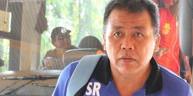 Lampu Kuning untuk Pelatih Semen Padang Usai Kalah di Kandang