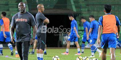 Liga 1 - 7 Kemenangan Lagi, Eks Pelatih Timnas Indonesia Dekati Rekor Teco dan Robert Rene Alberts