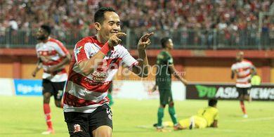 Pemain Madura United Slamet Nurcahyo Berharap Masyarakat Tidak Panik