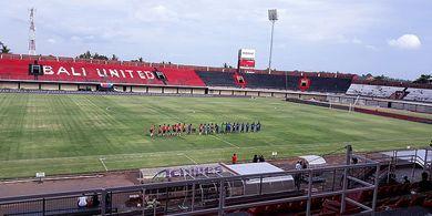 Iwan Bule Rasakan Suasana Old Traford di Stadion I Wayan Dipta