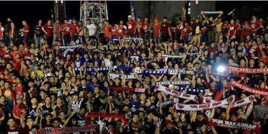 Cara Unik The Maczman Suporter PSM Makassar Bantu Keuangan Klub