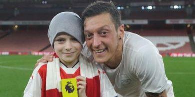Aubameyang Sampaikan Ucapan Perpisahan Terakhir untuk Mesut Oezil