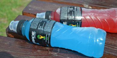 Minuman Olahraga atau Air Putih, Mana yang Sebaiknya Kita Minum?