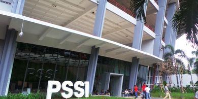 Iwan Bule Minta Pemerintah Bangunkan Kantor Buat PSSI di SUGBK
