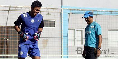 Jelang Melawan Bhayangkara FC, Tiga Kiper Arema FC Panasi Mesin