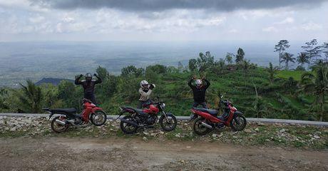 Serunya Naik Motor ke Embung Batara Sriten, Ini Lho Puncak Tertinggi di Gunung Kidul!