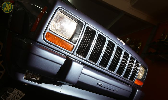 Grill Jeep Cherokee Country