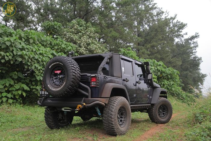 Soft top Offroad Heroes model Cargo bermaterial laminated polymer fabric, konstruksi two way soft to