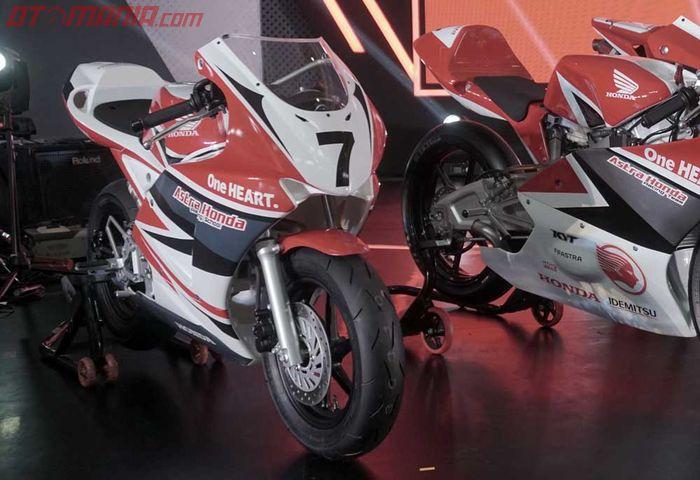 Honda NSF100 terlhat kecil tapi tawarkan setting range lbih luas
