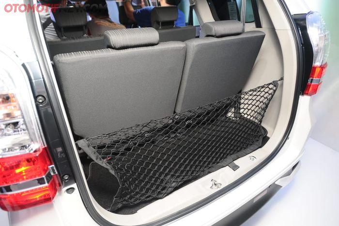 Daihatsu Great New Xenia. Bagasi dengan tambahan net