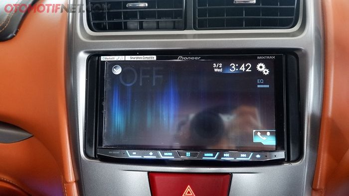 Head unit andalkan Pioneer AVH-X8850 BT