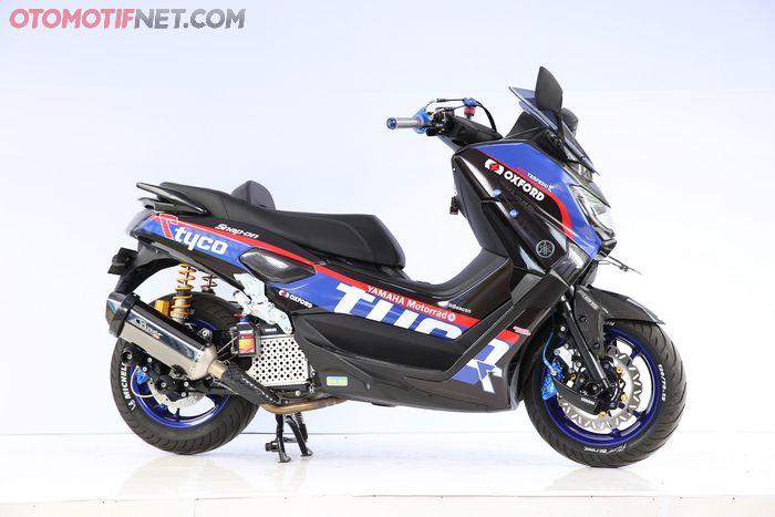 Yamaha NMAX bergelar Daily Use Customaxi Surabaya