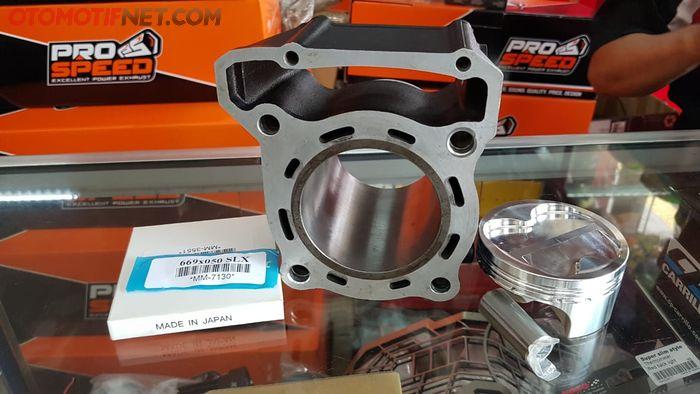Piston aftermarket dan dinding silinder di custom untuk Kawasaki Ninja 250SL