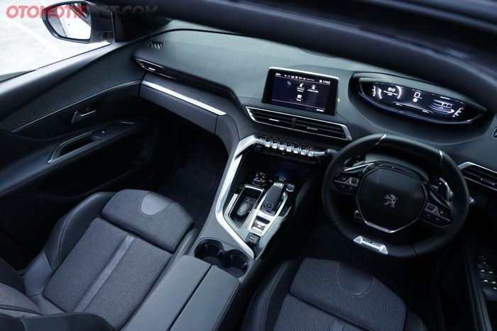 Interior Peugeot 3008 GT Line, tampil artistik dan futuristik