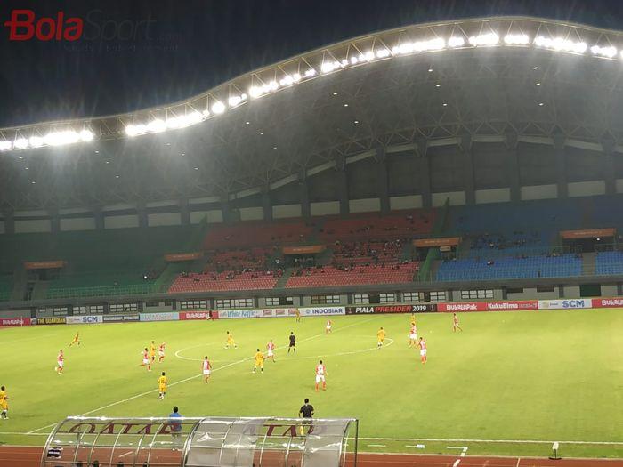 Suasana pertandingan Bali United vs Mitra Kukar pada partai pertama Grup B Piala Presiden 2019, Minggu (3/3/2019).